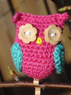 Owl (pattern in Dutch & English) Eichelbaum Owl Crochet Patterns, Crochet Owls, Owl Patterns, Cute Crochet, Crochet Animals, Beautiful Crochet, Knit Crochet, Crochet Projects, Sewing Projects