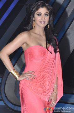 Check out pictures of Shilpa Shetty. Bollywood Actress Hot Photos, Indian Actress Hot Pics, Indian Bollywood Actress, Beautiful Bollywood Actress, Most Beautiful Indian Actress, Bollywood Fashion, Indian Actresses, Shraddha Kapoor Hot Images, Shilpa Shetty Photo