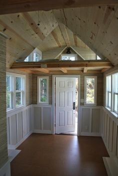 But it's also fully stocked with gorgeous windows and clean hardwood floors.