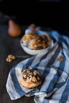 Girelle con pere noci e gorgonzola   Ricordi e Tradizioni