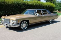 1976 Cadillac Fleetwood Brougham Old Race Cars, Us Cars, Classic Car Garage, Classic Cars, General Motors, My Dream Car, Dream Cars, Cadillac Fleetwood, Best Luxury Cars
