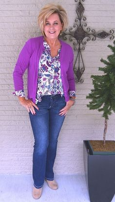 50 IS NOT OLD | HOW TO STYLE A PRINT TOP | Casual look | Spring | Transition Outfit | Fashion over 40 for the everyday woman
