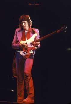 Yes bassist Chris Squire dies at 67 Chris Squire  #ChrisSquire