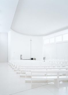possibly the best church in the whole world. Bonifatius, Herbrechtingen by Kor/ Architects (Stuttgart) - conversion of a 1958 built church Sacred Architecture, Religious Architecture, Church Architecture, Interior Architecture, Church Interior Design, Church Design, Architecture Religieuse, Altar Design, Modern Church