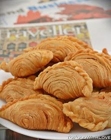 Deep-fried flaky pastry filled with spicy and tangy sardines, potatoes and onions I have been craving for curry puffs the past . Malaysian Cuisine, Malaysian Food, Malaysian Recipes, Asian Snacks, Asian Desserts, Savory Snacks, Snack Recipes, Cooking Recipes, Curry Puff Recipe
