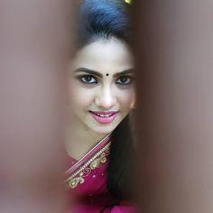 Indian Bollywood Actress, Indian Actress Hot Pics, Most Beautiful Indian Actress, Beautiful Girl In India, Beautiful Eyes, Indian Face, Cute Girl Photo, Cute Beauty, Indian Beauty Saree
