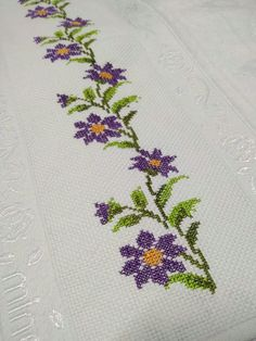 Cross Stitch Designs, Diy And Crafts, Projects To Try, Embroidery, Face Towel, Cross Stitch Embroidery, Embroidery Ideas, Chrochet, Towels