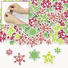 Fabulous Foam Adhesive Peace on Earth Snowflake Shapes (80+) :   Fun and easy to do, just peel off the backing to make 'em stick! Assorted styles. 2.54 cm -  5.1cm  (80+ pcs)