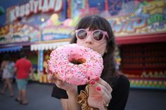 Donuts and glasses pink.