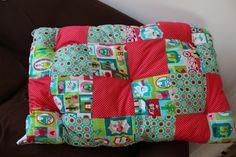 Edredon doux et relaxant pour petite fille, par Nina Rosa Diaper Bag, Quilts, Blanket, Bags, Petite Fille, Purses, Comforters, Blankets, Diaper Bags