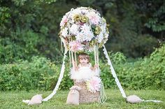 Sooo cute. Floral hot air balloon portraits by Tutti Bambini photography | 100 Layer Cakelet
