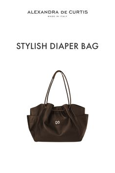 Are you looking for a stylish leather diaper bag? Click through to check out this designer diaper bag handmade in Italy! Alexandra de Curtis #leatherbags #designerleatherbag #diaperbag Italian Leather Handbags, Designer Leather Handbags, Brown Leather Handbags, Leather Bag, Leather Diaper Bags, Italian Street, Baby Diaper Bags, How To Make Handbags, Italian Fashion