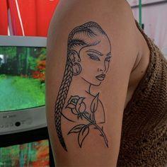 tadiorx 🧩 Dope Tattoos For Women, Black Girls With Tattoos, Sleeve Tattoos For Women, Black Girl Tattoo, Grey Tattoo, Afro Tattoo, Piercing Tattoo, Tattoo Ink, Girl Thigh Tattoos