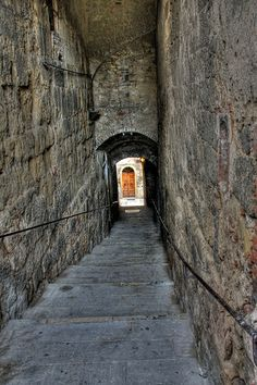 Italy 08 - Staircase by Kay Gaensler, via Flickr