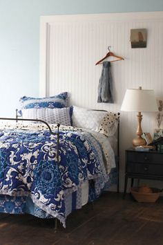 Blue & white bedding... Love it.  Looks a lot like the bedding we just got!