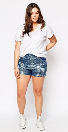 Totally love these sparkly short  shorts!