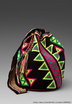 Колумбийская мочила.Мастер-класс + идеи. Мочила (Mochila) – традиционная сумка колумбийских индейцев ручной работы. Восхитительны по орнаменту и расцветкам. Плотное вязание и тканые ручки