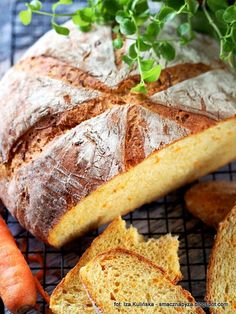 Smaczna Pyza: Chleb pszenny na drożdżach i maślance, z marchewką...