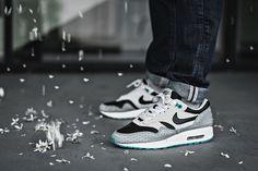 Sneaker Bar · Nike Air Max 1 Polka Dot - 2006 Air Max 1 e2750c273
