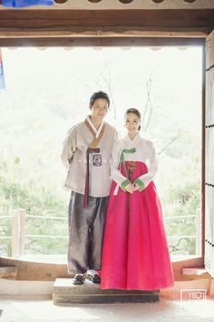 Korean traditional clothes, hanbok wedding photo, Korea pre wedding hanbok, Korea concept pre wedding photo shoot, Korea pre wedding package