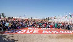 Los firmantes del Acuerdo de París cierran filas frente a Trump  / Noticias / SINCEl Acuerdo de París, ratificado ya por 111 países, es imparable. Es un compromiso del que nadie duda en la Cumbre del Clima de Marrakech (COP22), sobre todo tras el triunfo electoral de Donald Trump en EEUU.  Las negociaciones sobre cómo alcanzar la meta han quedado atascadas hasta la decisión final, obstaculizada por Bolivia e India en el último plenario