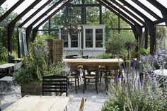 34 Amazing Greenhouse Indoor Design Ideas For The Trendiest Look - Possible Decor Outdoor Spaces, Outdoor Living, Outdoor Decor, Outdoor Ideas, Atrium, Fresco, Fire Pit Swings, Greenhouse Shed, Conservatory Garden