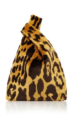 This **Hayward** shopper is rendered in velvet brocade and features a leopard print with signature versatile straps. Leopard Tote, Leopard Handbag, Successful Women, Best Bags, Look Fashion, Aesthetic Fashion, 90s Fashion, Couture Fashion, Fashion Bags