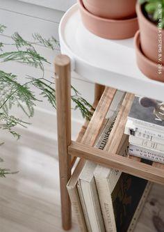 Cultiver quelques herbes et légumes à la maison sur du bambou et du métal peint époxy, c'est là tout l'art de faire le plein d'énergie verte chez soi. Piédestal SATSUMAS #IKEABE