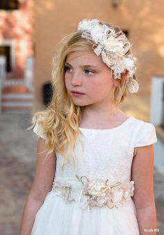 2016 First Communion Collection - Magnifica Lulu Flower Girls, Flower Girl Dresses, Flower Girl Hairstyles, Wedding Hairstyles, Communion Hairstyles, First Communion Veils, Glamour, Fairy Dress, Hair Bows