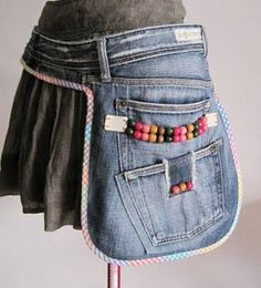 Hip Bags to Compliment your style : hip bag, upcycled jeans, diy side fanny pack Jean Crafts, Denim Crafts, Sewing Crafts, Sewing Projects, Diy Projects, Sewing Diy, Upcycled Crafts, Bags Sewing, Sewing Hacks