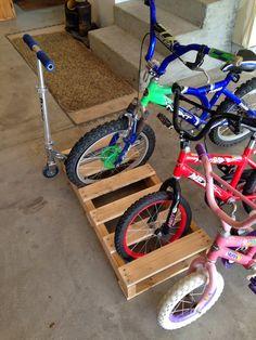 http://ourtaylorlife.blogspot.com/2014/05/i-built-bike-rack.html