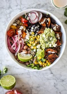 These quinoa burrito bowls are chock-full of veggies and FLAVOR! The base is a cilantro lime quinoa along with amazing caramel chipotle roasted sweet potatoes. Sweet Potato Burrito, Veggie Burrito, Burrito Bowls, Burritos, Good Healthy Recipes, Vegetarian Recipes, Healthy Eats, Healthy Lunches, Health Recipes