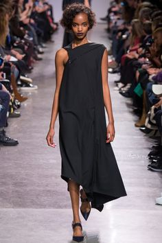 Zac Posen Fall 2016 Ready-to-Wear Fashion Show - Farhiya Shire