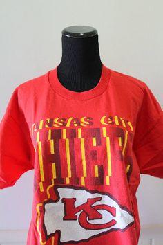 f8c68de11 Vintage NFL Kansas City Chiefs Football T-Shirt Size X-Large 1992