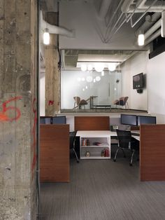 #Installation of a #workstation, #minimal and #modern #interior design for the workplace