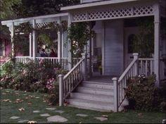 Gilmore Girls porch - love