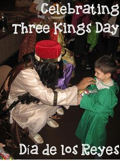 Whether it's part of your culture or you want to teach your child about other cultures here's our ideas for how to celebrate Three Kings' Day (El Día de los Tres Reyes Magos).