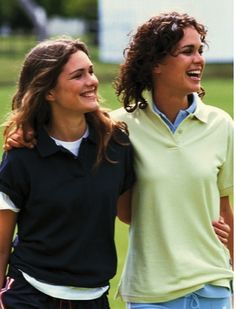 Kit4Kings Ladies Fitted Polo Shirt - Elizabeth 1 Perfect woman fit short-sleeved polo shirt Designed with side vents 2 matching colour buttons and a