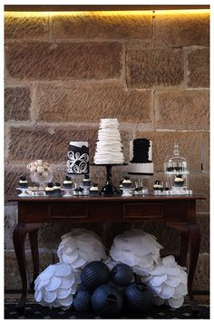 Classic Black and White party table.