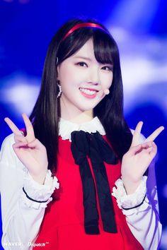 Photo album containing 29 pictures of GFRIEND South Korean Girls, Korean Girl Groups, Cloud Dancer, Bts And Exo, G Friend, Kpop, Popular Music, Girls Generation, Pop Group