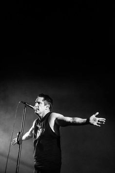 Trent Reznor NIN Nine Inch Nails