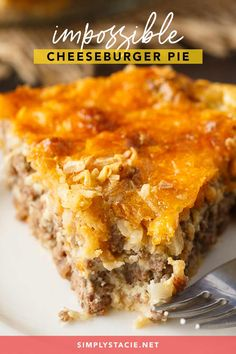 Impossible Cheeseburger Pie is super easy and delicious! This yummy recipe is full of cheesy Super easy and delicious! This yummy recipe is full of cheesy beefy flavor that everyone loves. Easy Meat Pie Recipe, Easy Cheeseburger Pie Recipe, Impossibly Easy Cheeseburger Pie, Easy Casserole Recipes, Bisquick Recipes, Amish Recipes, Meat Recipes, Cooking Recipes, Recipies