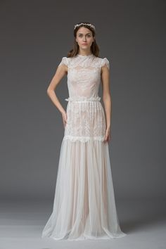 The Katya Katya Shehurina Venice collection for 2016 is filled with beautiful and dreamy bridal elements.