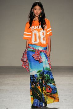 The complete Stella Jean Spring 2015 Ready-to-Wear fashion show now on Vogue Runway.