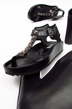 Balenciaga: .beautiful shoes for elegant feet!