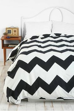 Urban Outfitters Zigzag Duvet Cover Twin XL $79.00 (for dorm!!!!)
