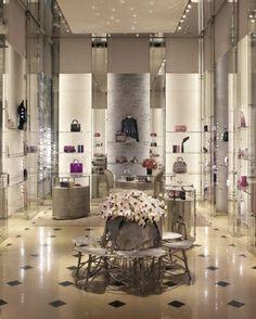 New Dior flagship store in Milan (12, Via Montenapoleone)