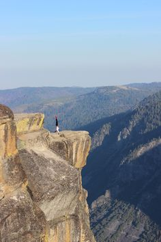 Hand stand on Taft Point - Yosemite 2015 - ----- Palms to Pines