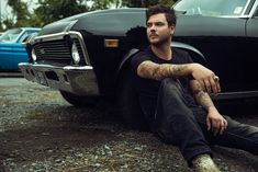 Chase Skinner - Clay Cook on Fstoppers Portrait Photography Poses, Photography Poses For Men, Car Poses, Mens Photoshoot Poses, Male Models Poses, Bmw M4, Selfie Poses, 72 Hours, Underwater