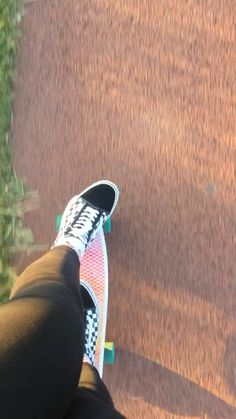 holyparadiseperson - 0 results for skate boards Skateboard Videos, Penny Skateboard, Skateboard Pictures, Skateboard Girl, Skate Style Girl, Skate Boy, Skater Girl Outfits, Badass Aesthetic, Applis Photo